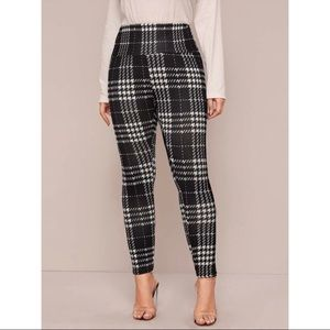 🔳Black and White plaid wide band leggings🔳